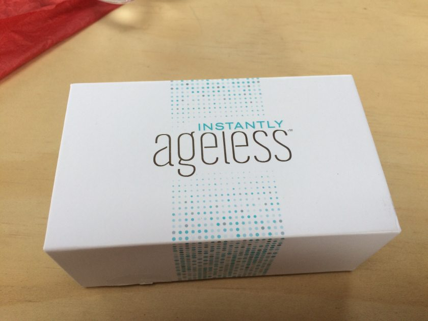 Instantly Ageless facelift box